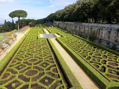 The magnificent gardens of Castelli Romani