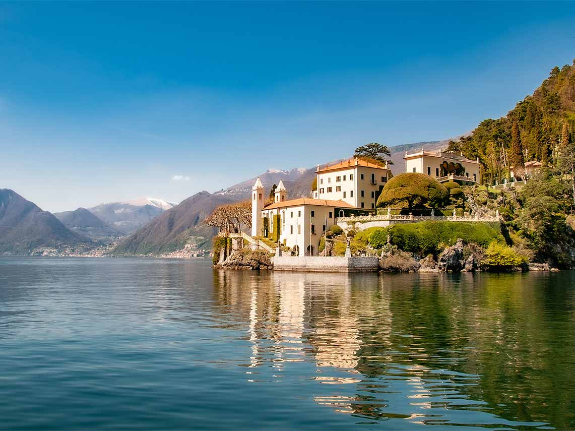Beautiful villa on the banks of Lake Como.